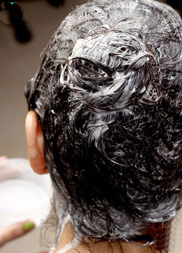Coconut Milk Combats Various Issues of Hair